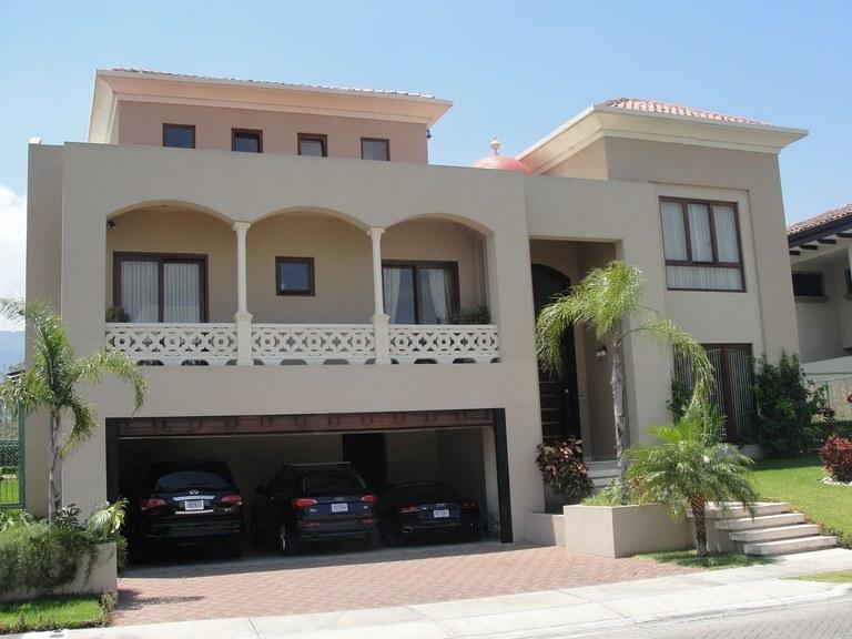 Condominium For Rent in Santa Ana