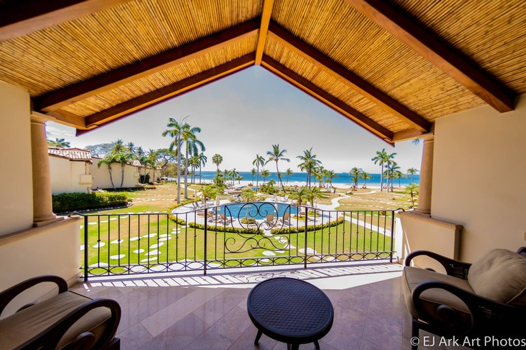 Palms 17: Charming Luxurious Ocean Front Villa for Rent in Playa Flamingo, Guanacaste