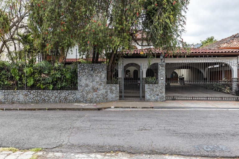 House For Rent in Guadalupe