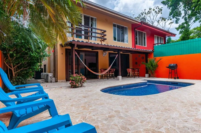 Casa Mango: Charming Home with Private Pool for Rent in Potrero