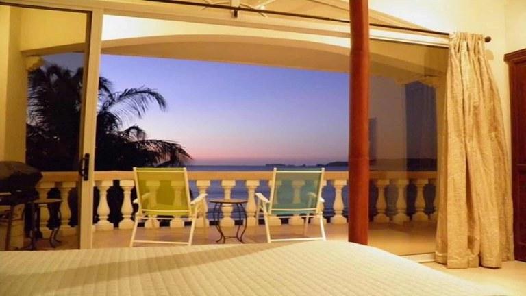 Potrero Sunset 303: Rare Beach Front Apartment in Potrero for Rent