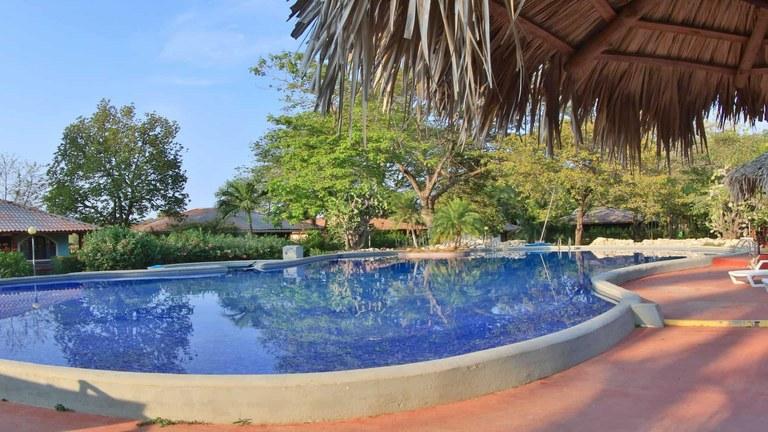 Villa del Sol: Tuscan Style Villa with Shared Pool in Playa Penca close to Potrero