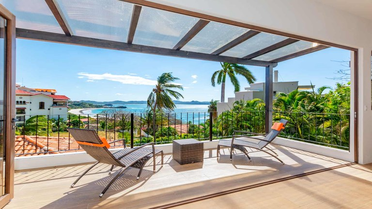 Casa Lilliana: Gorgeous Ocean View and Ocean Access Villa with Private Apartment