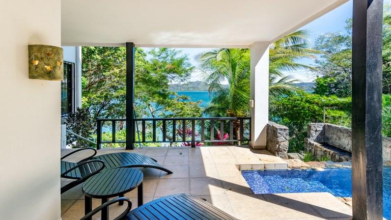 Casa Flores: Gorgeous Hillside Villa with Beach Access in Flamingo