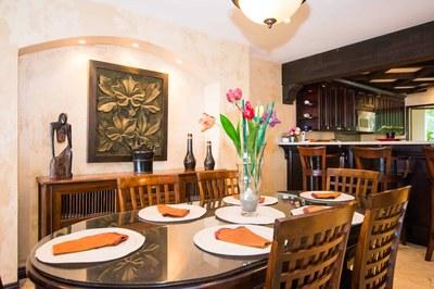 Dining Area of Luxury 2 Bedroom Ocean Front 2 Storie Condo in Flamingo