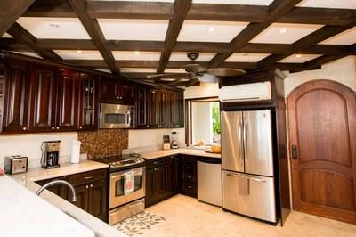 Kitchen of Luxury 2 Bedroom Ocean Front 2 Storie Condo in Flamingo