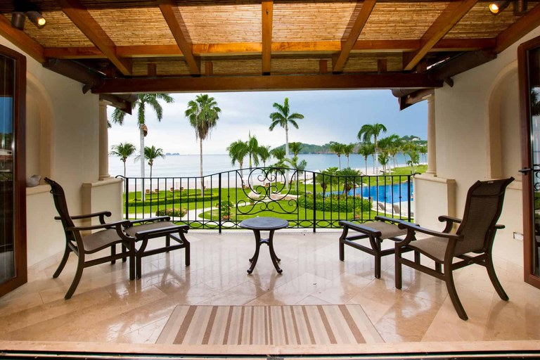 Palms Condo 6: Luxury 2 Bedroom Oceanfront Condo with Fantastic Pool Area