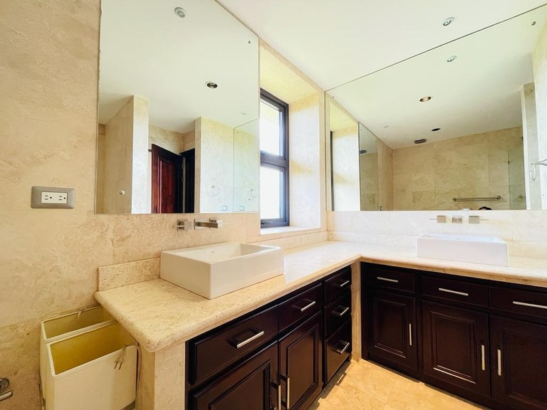 Luxury Apartment for Rent 3 Bedrooms Escazú Jaboncillos Costa Rica