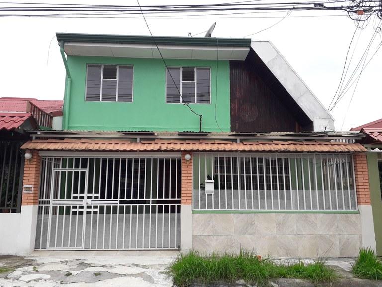 MAM-044-A: Countryside House For Rent in Mata de Plátano