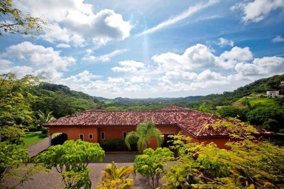 Casa Jaguar: Luxury home close to the beach, located in Santa Rosa