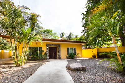 Casa Mariposa: 3 Bed, 4 Bath Spacious Home Located in Surfside Estates, Playa Potrero