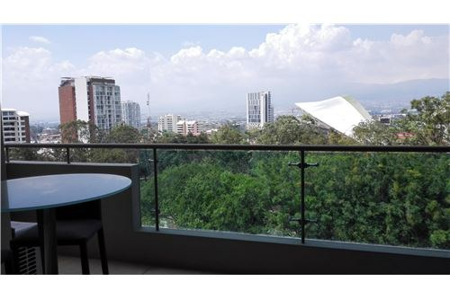 Apartment in excellent location with great views: 900701029-68