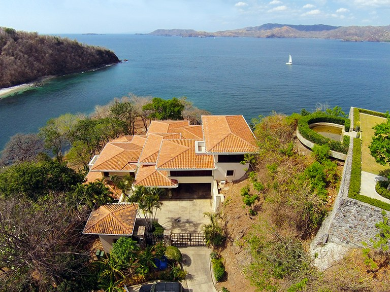 Casa Monos: Near the Coast and Oceanfront House For Sale in Playa Flamingo