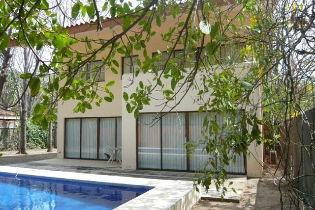 Casa Playa del Tamarindo: Beautiful & Spacious 2 BR Surfer & Beachlovers Home in Playa Grande