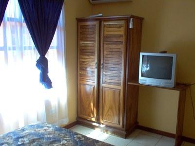 Room - Sun Real Estate.JPG