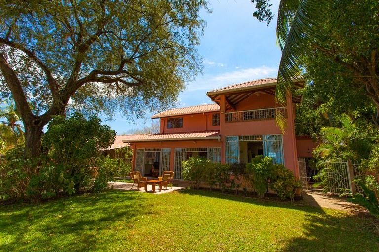 Casa de Las Palmas: Beachfront House at a Spectacular Price!