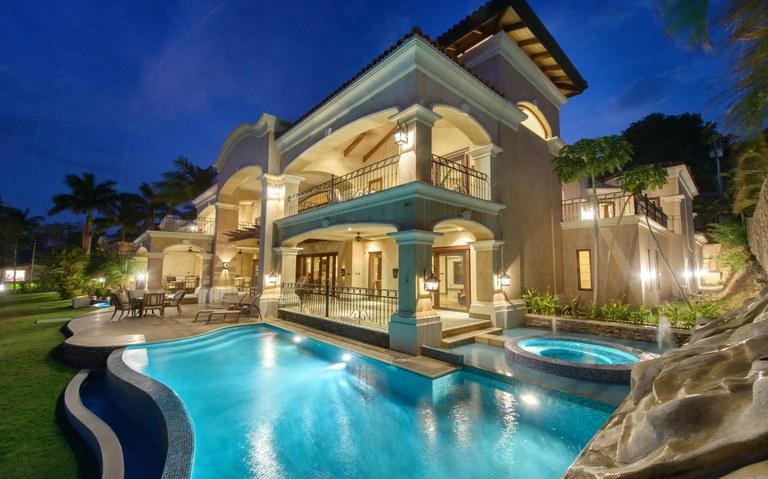 Sueños Real de Flamingo: Unparalleled Luxury Beachfront Home!