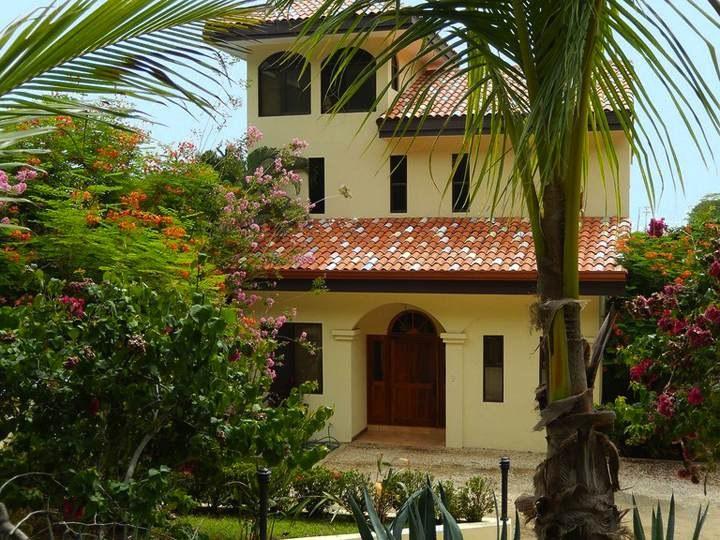 Terraza del Sol A: Ocean-View Luxury Home w/Loft & Infinity Pool