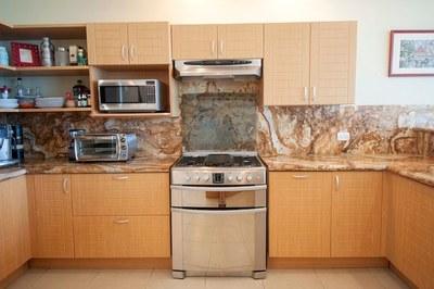 Condo 1-Kitchen Oven