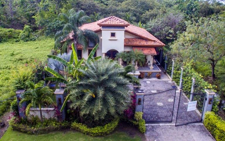 Casa de Risa: Beautiful Home Near the Beach