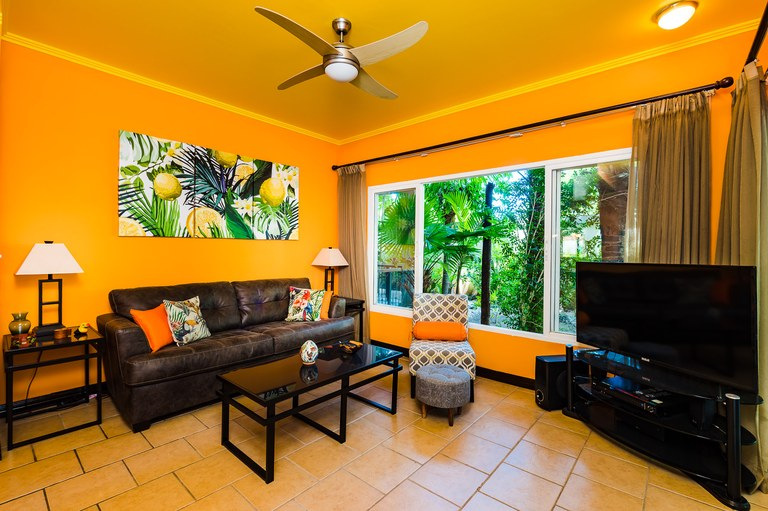 Surfside Tower 104: Just Reduced! Adorable Condo 2 Streets From The Beach!