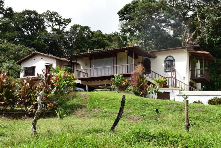Spanish hacienda casa montana search results english for Case in stile ranch hacienda