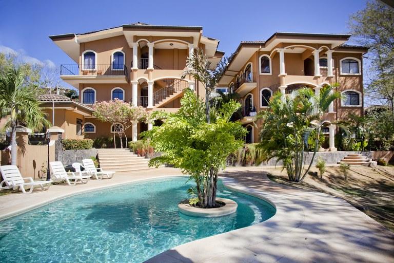 Tamarindo Azul #6: Spacious ocean view penthouse