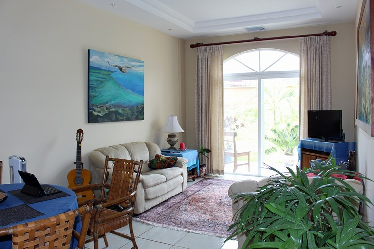 Condo Leora 105: Short walk to the beach. Possible owner financing!