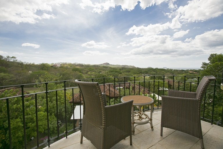 Carao T5-6: Luxury condo surrounded by nature, comfort and open spaces