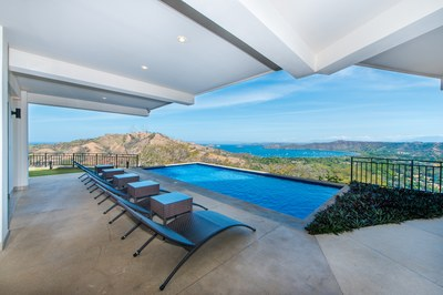 Villa Santa Luz: Stunning Home Nestled High On The Ridge of Coco Bay Estates!