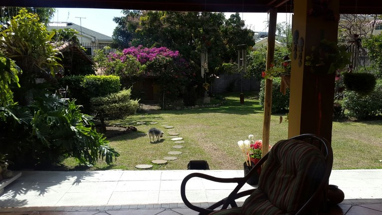 House For Sale in Los Laureles