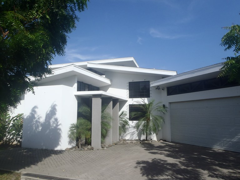 Modern House for sale in a great location in Liberia, Costa Rica