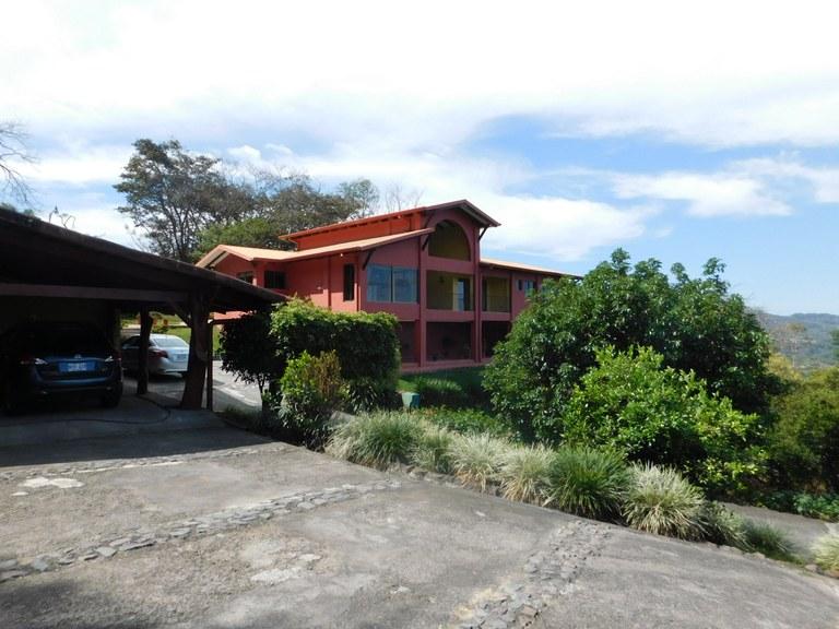 7807: En Venta Propiedad Colonial 8000 mts2 de terreno con Vista al valle central ubicada en Ciudad Colon
