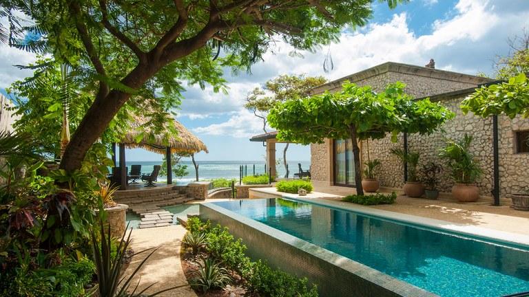 Casa Roca: Tamarindo Ocean Front Home