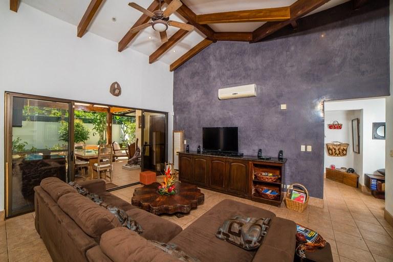 Casa Beagles Beautiful 4 Bedroom Costa Rican Home A Short