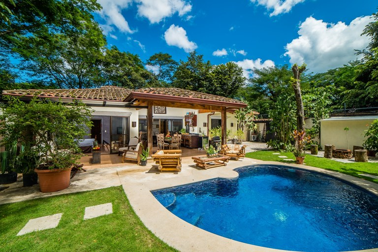 Casa Beagles: Beautiful 4-Bedroom Costa Rican Home A Short Walk to the Beach for $299,000!!