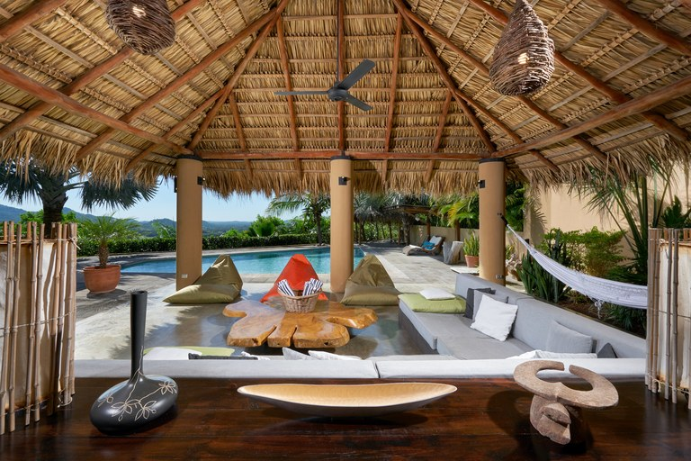 Villa Kanda: An exquisite luxury home nestled in the hills just outside of Tamarindo
