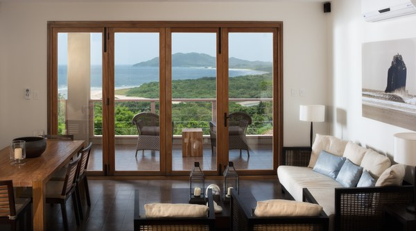 Las Mareas 6: Elegant home with panoramic ocean views, in high end gated community, steps from Tamarindo beach.