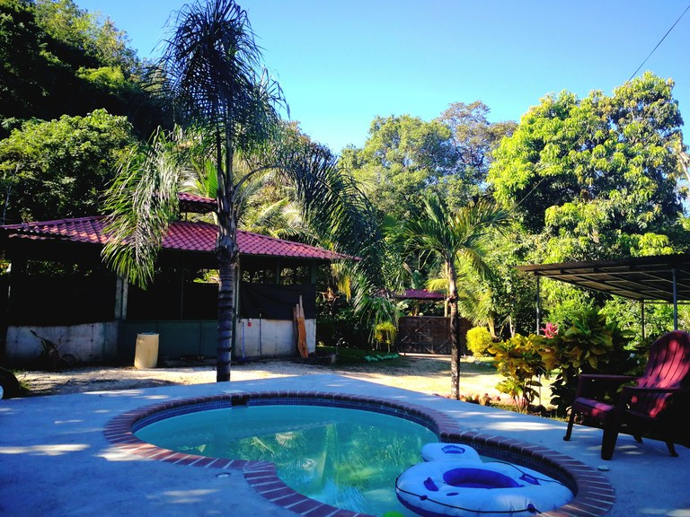 Casa Blue Zone Oasis: Se Vende Casa Frente al río en Playa Carrillo