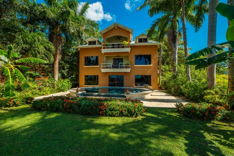 Casa Tiger: Oceanfront House For Sale in Playa Potrero