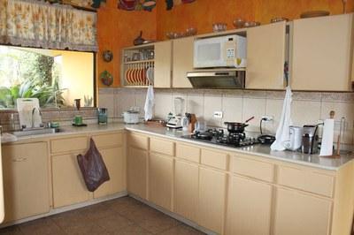nuevoshorizontespropiedades-sevendecasa-SanPabloHeredia-200-105-cocina.jpg