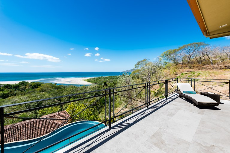 Oceanfront House For Sale in Playa Tamarindo