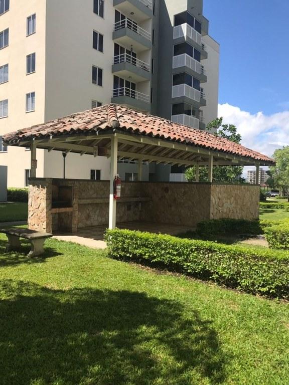 Apartment For Sale in San Rafael