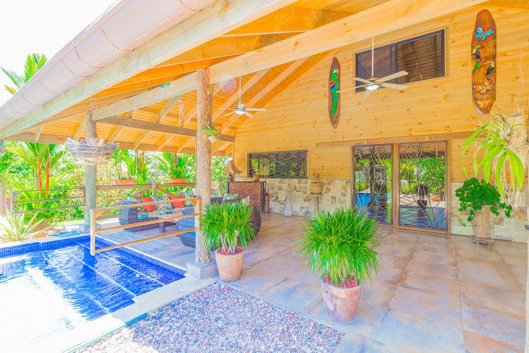 Secluded oasis with beautiful home, great outdoor living space, two pools, and a guest casita: Peace and tranquility with convenience!