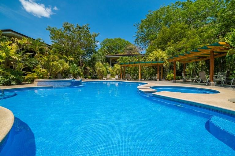 Casa del Sol 3: Stylish 2-bedroom, 2-bathroom Condo for Sale!