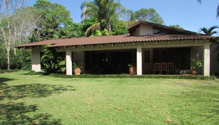 LUXURY HOUSE FOR SALE IN ESCAZU