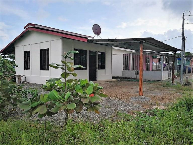 Near the Coast House For Sale in Bahia