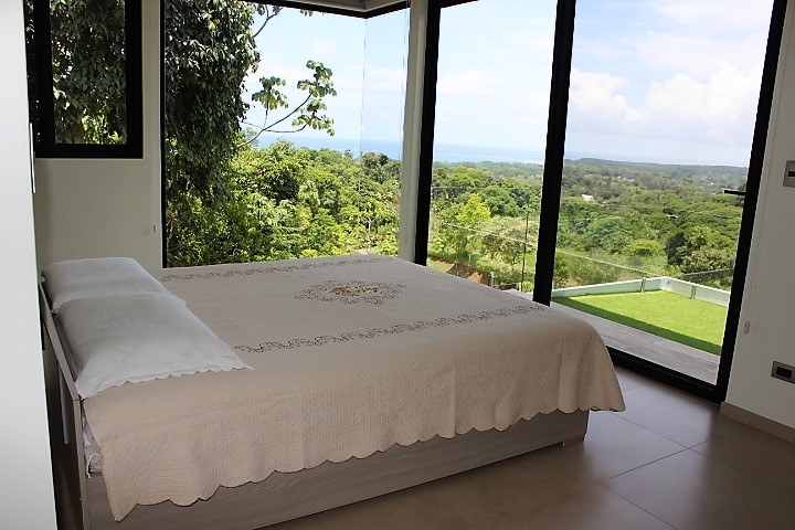 Casa Futura: Mountain House For Sale in Uvita
