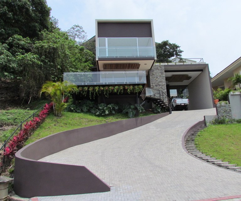 8095: Brand New Contemporary 4B House With Views For Sale in Exclusive Gated Community.