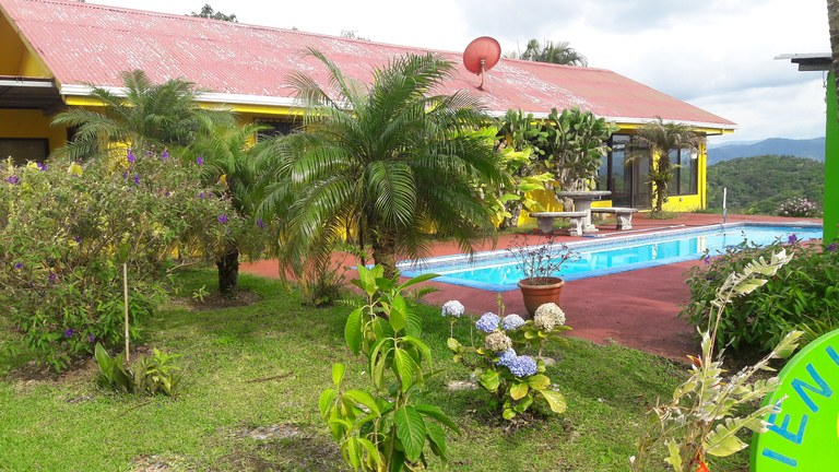 Crestview Manor: Mountain House For Sale in Nuevo Arenal